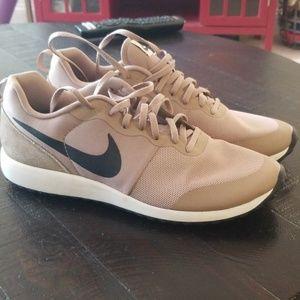 Nike Shinsen Desert, Size 10.